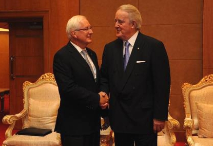 Ian Thomas with Brian Mulroney at ICSC Shanghai